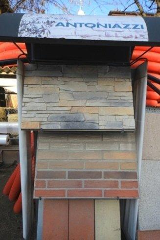 espositore campione di mattoni e materiali edili
