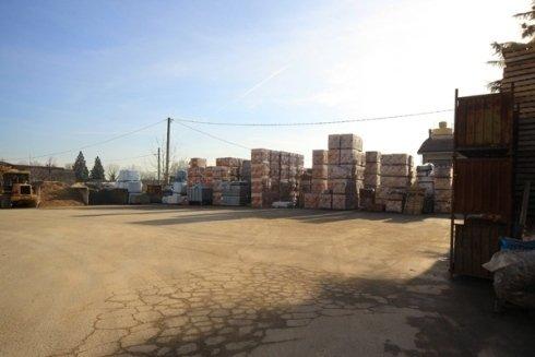 deposito all'ingrosso di materiali edili
