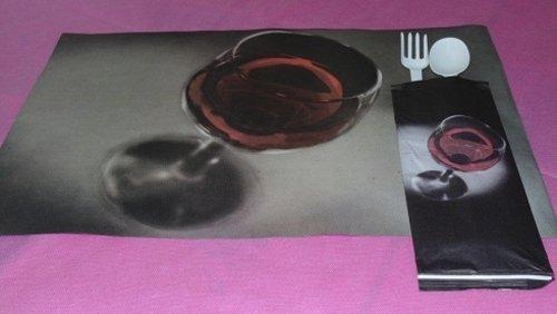bicchiere di cocktail e forchetta