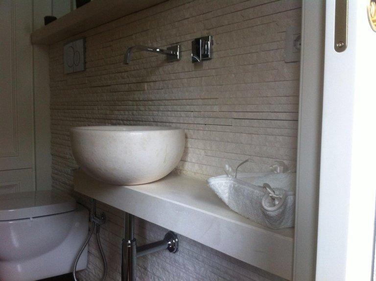 lavello bagno in pietra