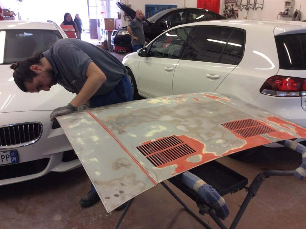 Preparazione per verniciatura auto