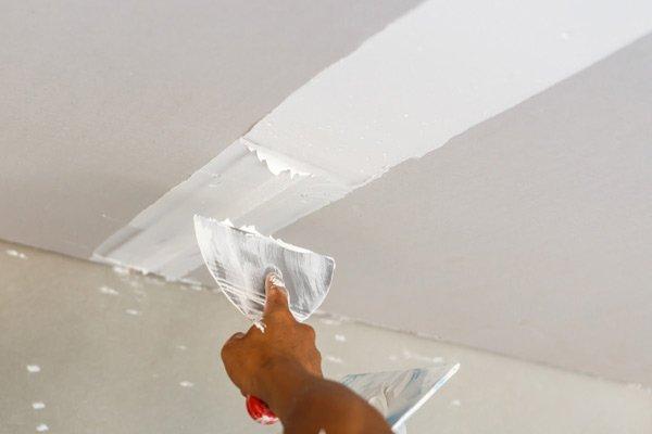 Riparazione del soffitto per la casa a Recco