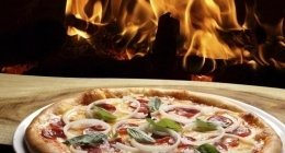 forno a legna, pizzeria con forno a legna, pizza croccante