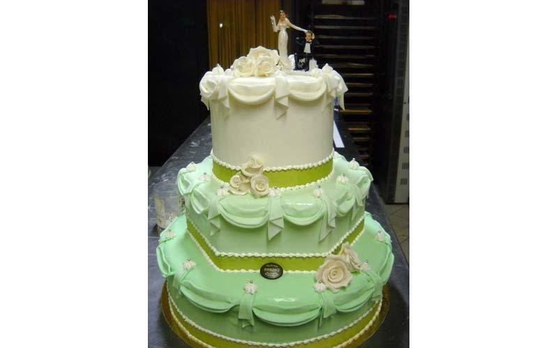 torta matrimonio verde gialla e bianca