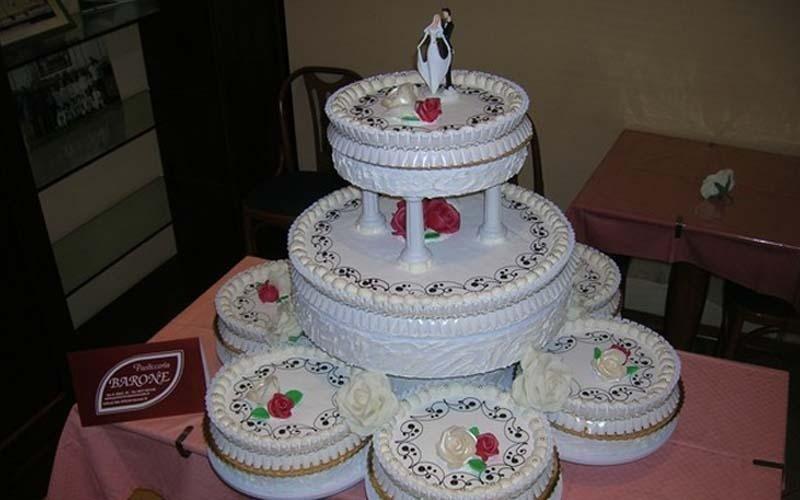 torta matrimoniale a vari piani
