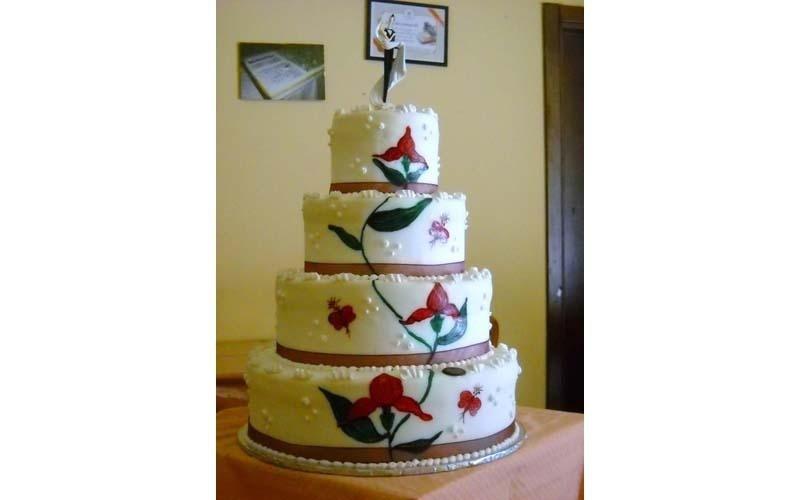 torta matrimonio con disegni floreali
