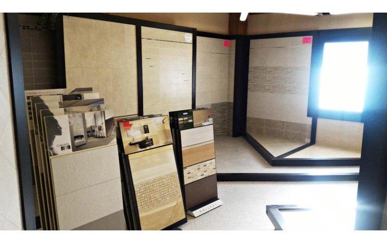 esposizione pavimenti diversi materiali