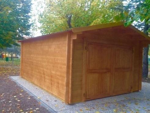 casetta in legno vista laterale
