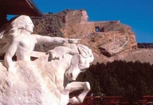 Statua Commemorativa a Cavallo Pazzo