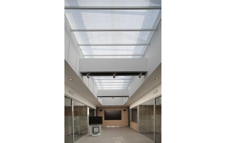 Interior horizontal blinds