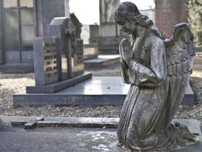 Vendita e realizzazione di monumenti funerari