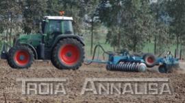 riparazione trattori, sostituzione pezzi di ricambio agricoli, riparazione accessori agricoli