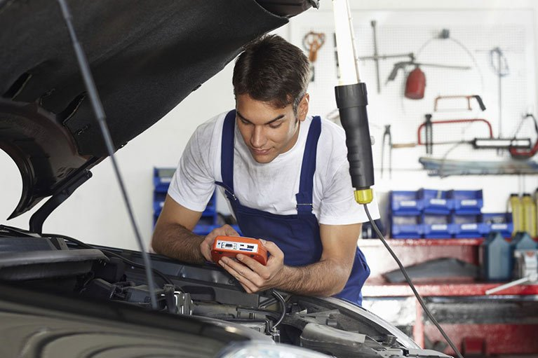 mechanic-working