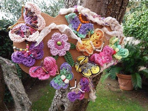 mazzo di fiori ricamato
