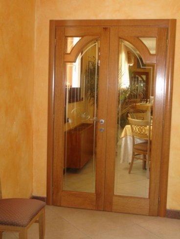porta interna con vetrate