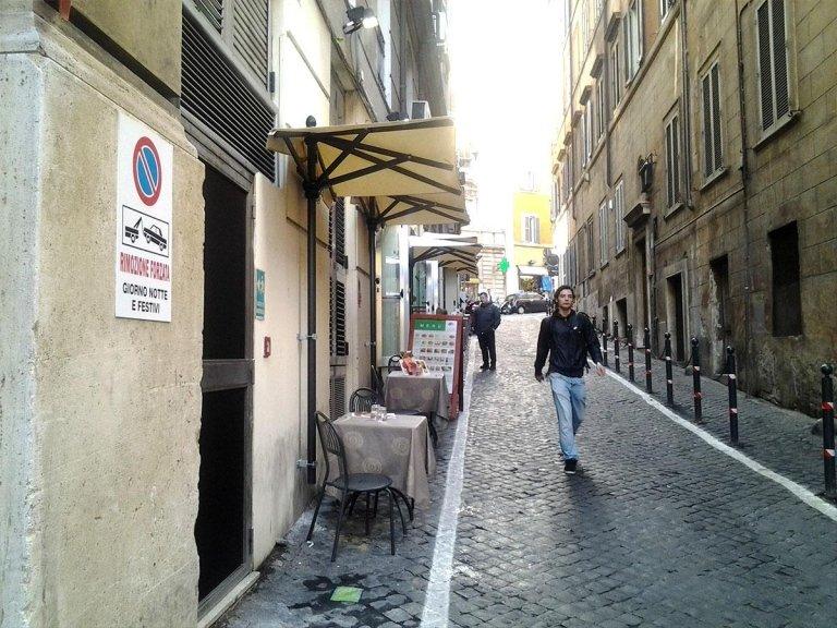 ombrelloni a metà - maurizio sport roma