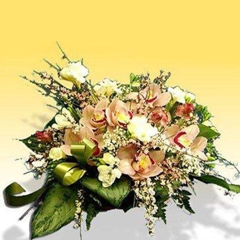 Decorazione floreale funebre