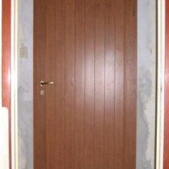 porta in alluminio effetto legno
