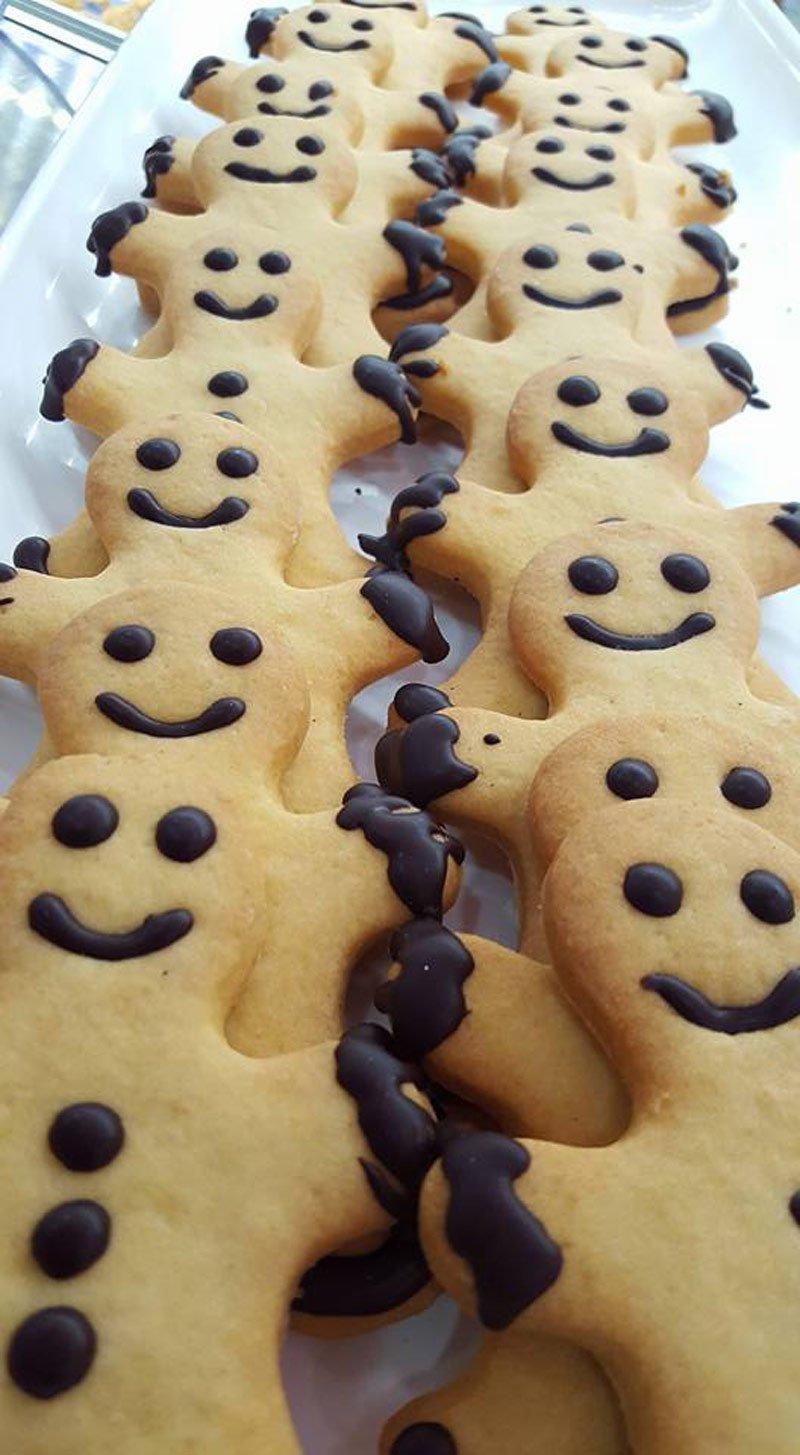 biscotti di pastafrolla a forma di bambini