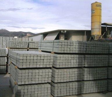 materiale per l'edilizia, cemento, travi