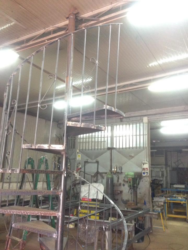 Scale a chiocciola in alluminio a Napoli