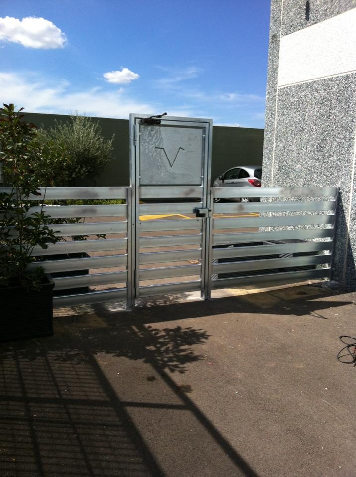 Protezioni e porta in alluminio a Napoli
