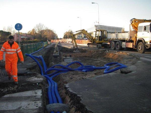scavi per fognature, linee acqua e gas e altri sottoservizi