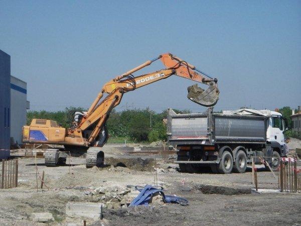 scavi a sezione obbligata per realizzazione plinti di fondazione