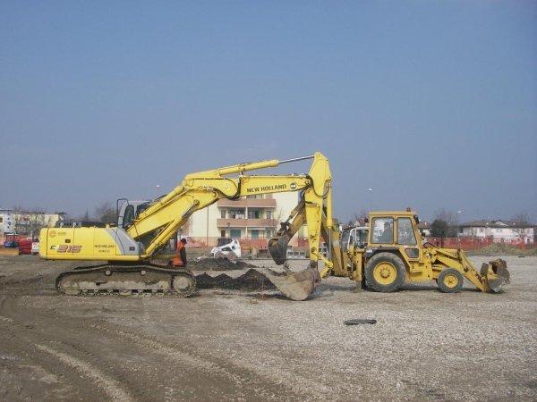 scavi per realizzazione piazzale