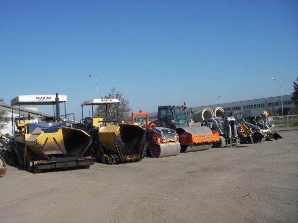 macchine per asfaltatura e movimento terra