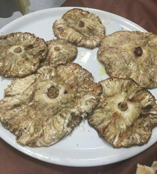Funghi alla griglia a prato