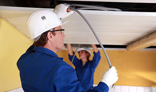 Expert providing affordable electrical wiring services in Spokane, MO