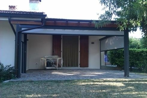 Filtering shade facade manzano