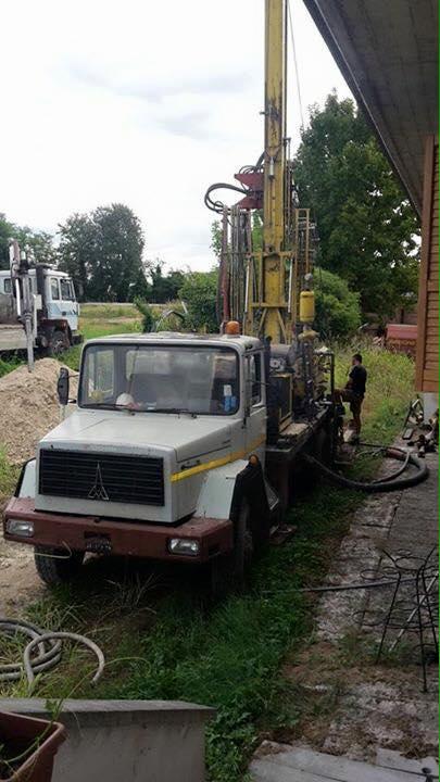 furgone con trivella