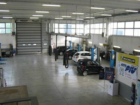 centro riparazioni auto