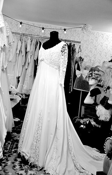 abito da sposa vintage molto lungo