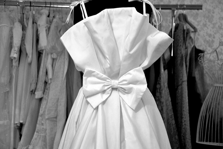vestito da donna bianco stile vintage