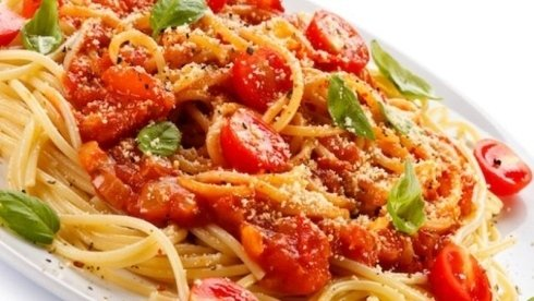 Spaghetti pomodorini e basilico