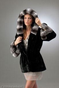 Cappotto in pelliccia nero