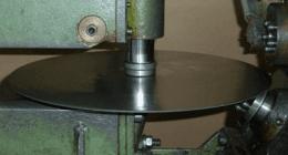 dischi metallici, punzonatura, lavorazione metalli