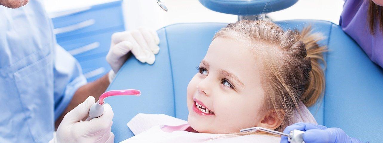 bimba dal dentista