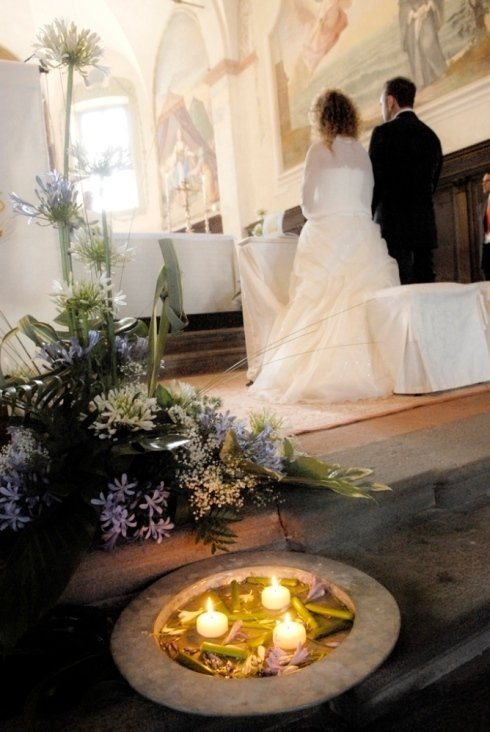 Dettaglio matrimonio in chiesa