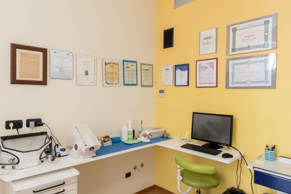 dentista ambulatorio chirurgico Mercurio Santo Stefano Pontemoli