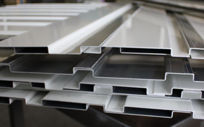 Alluminio piegato