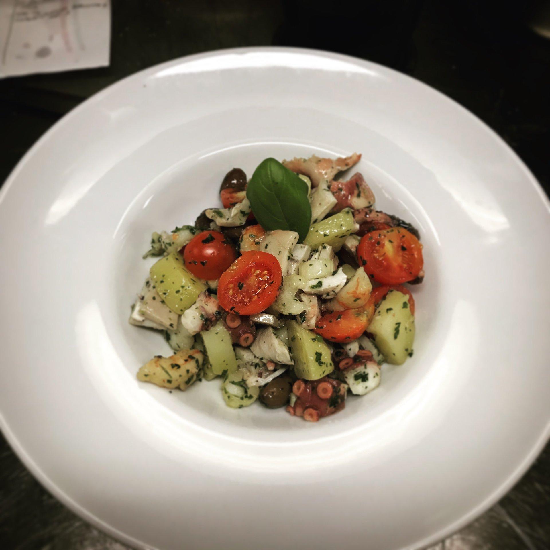 un piatto a base di polipo