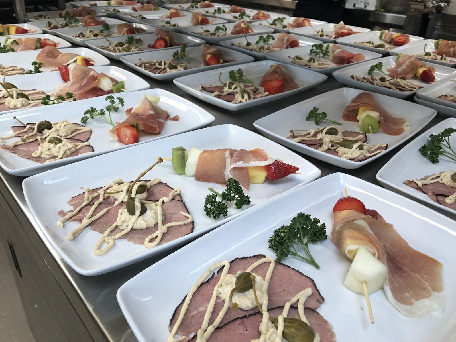 Salumi in self service tutto si può mangiare piatto a buffet