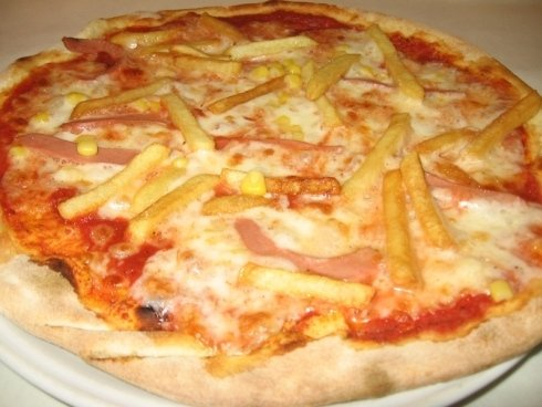 Nella nostra pizzeria puoi richiedere la pizza che preferisci.