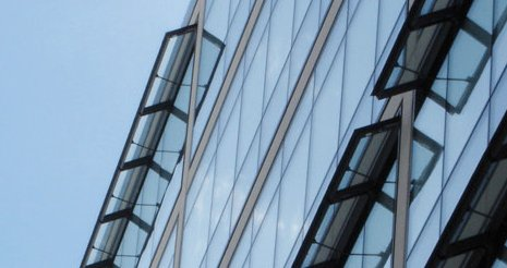 Facade glazing
