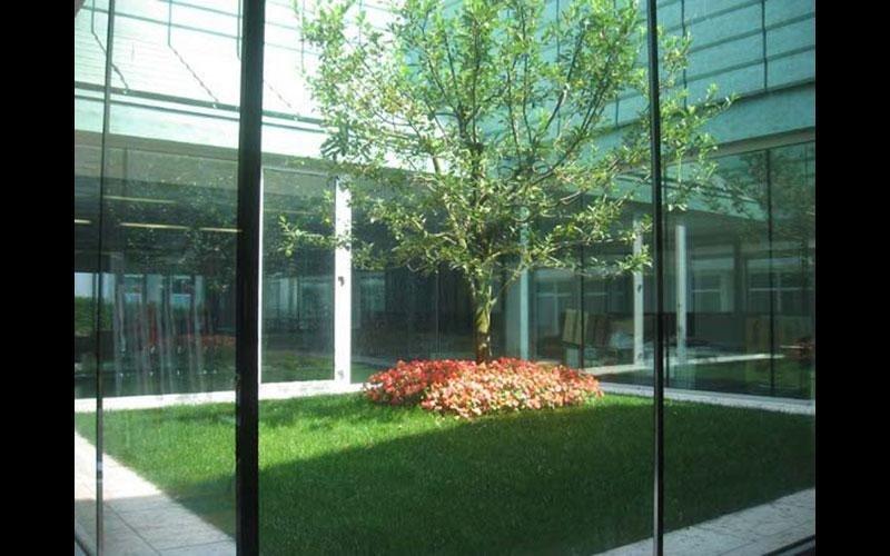 Soluzione a vetrocamera per facciata tutto vetro