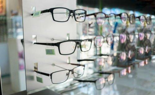 occhiali da vista con montatura leggera
